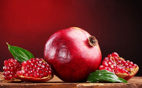 Pomegranate-lower-blood-pressure